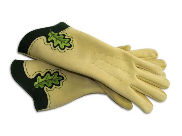 Myslivecké rukavice pro vlajkonoše z pravé jelenice s vyšívanými dubovými  motivy 59f005b6f5
